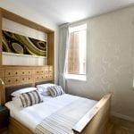 חדר שינה בדירת נופש עם שני חדרי שינה וג'קוזי במולכו נווה צדק